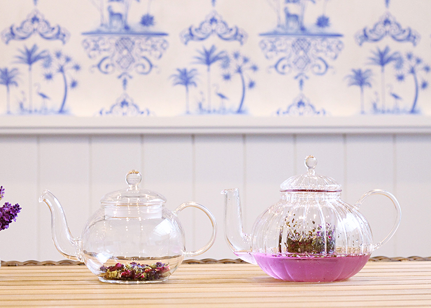 TEA*CAFE*KIDS*SALON*メリーゴーランド